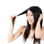 髪のパサつきの原因と即効改善は?【効果的なのはオイル!】