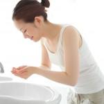 お湯洗顔の効果で肌トラブル解消!【かゆみやニキビ対策も!】