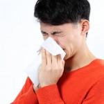 鼻のかみすぎで頭痛や中耳炎も?【注意する対策法は】