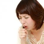 咳が止まらない原因と応急措置方法【何科で受診?】